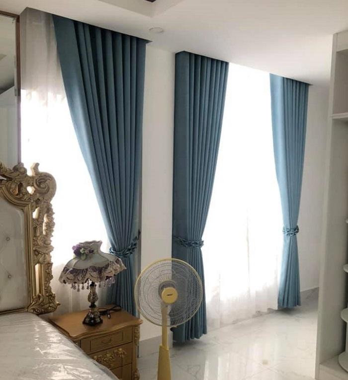 mẫu rèm phòng ngủ màu xanh