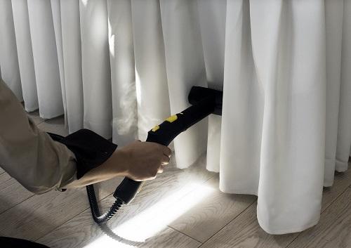 Sử dụng máy hơi nước để giặt rèm cửa vừa an toàn lại hiệu quả